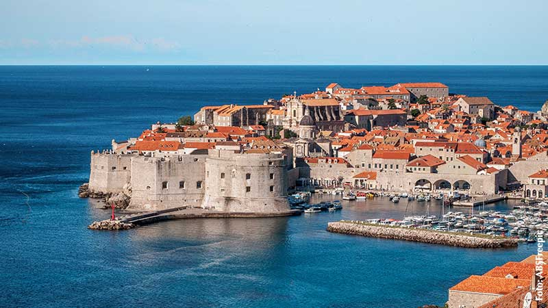 -absolutely_free_photos-original_photos-the-old-town-of-dubrovnik-3961x2228_61914_pixabay