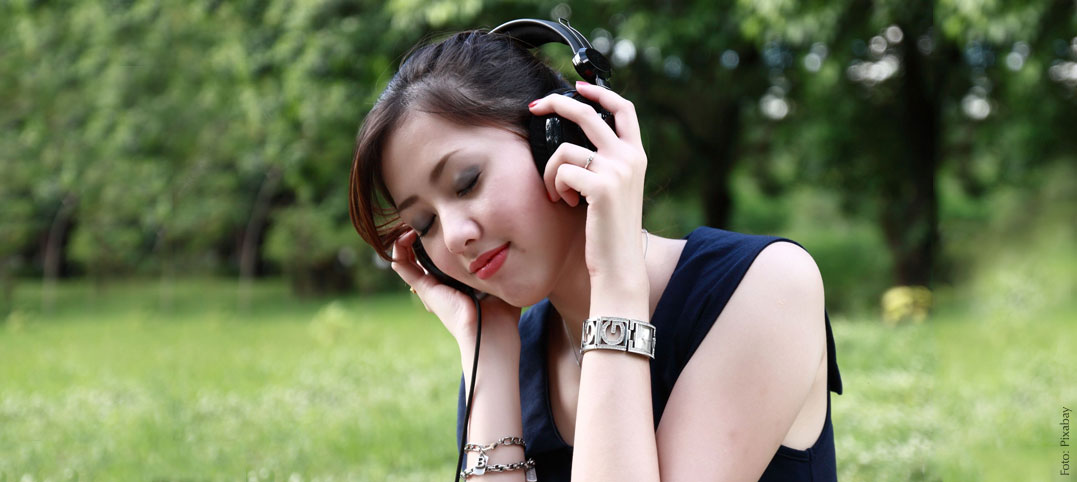 Binaurale Beats: Entspannungsmusik gegen Kopfschmerzen