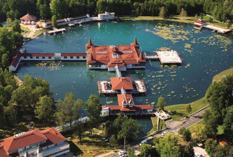 Luftaufnahme von Bad Hévíz, Ungarn