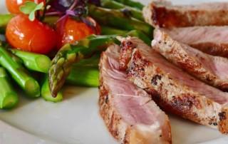 Steak mit Gemüsebeilage