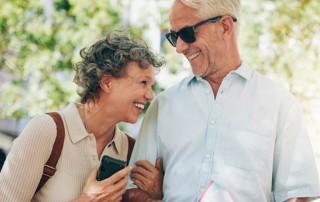 Senioren Paar lachend